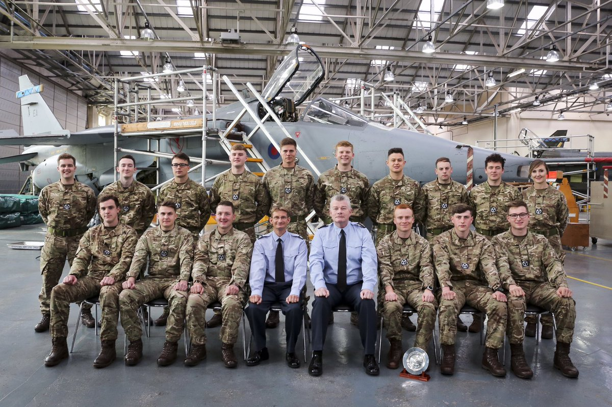 Congratulations to the latest course of aircraft technicians to graduate from @No1SofTT @RAF_Cosford. We wish them all every success in their future @RoyalAirForce careers.