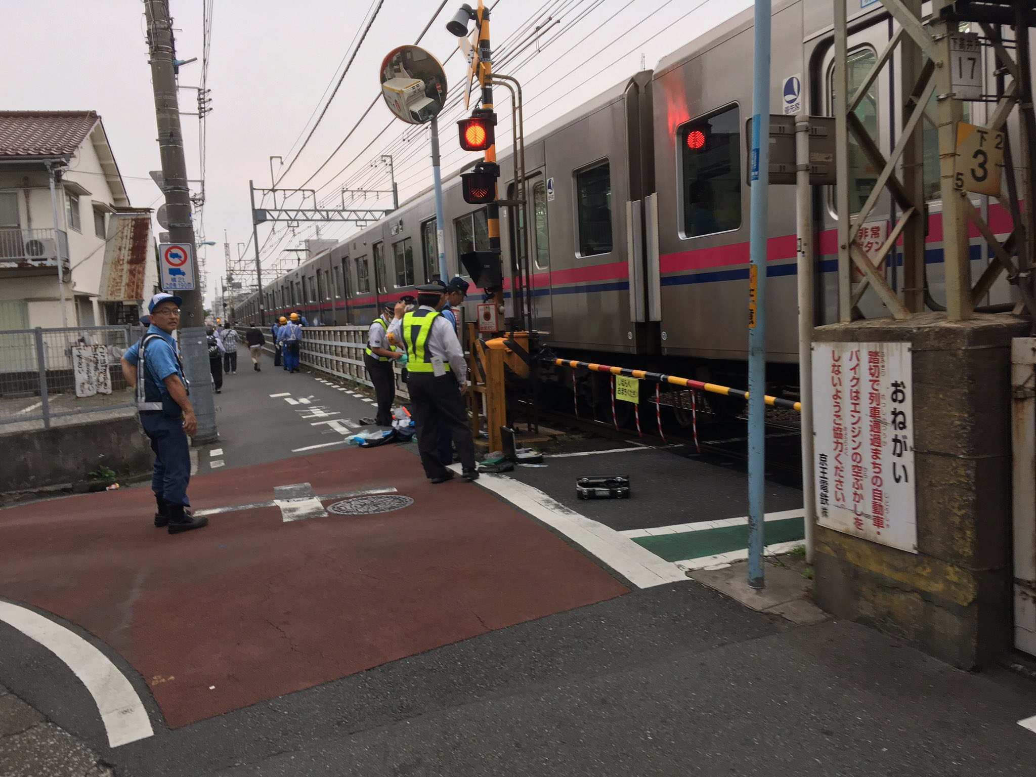 京王線の下高井戸駅~桜上水駅間で人身事故が起きた現場画像
