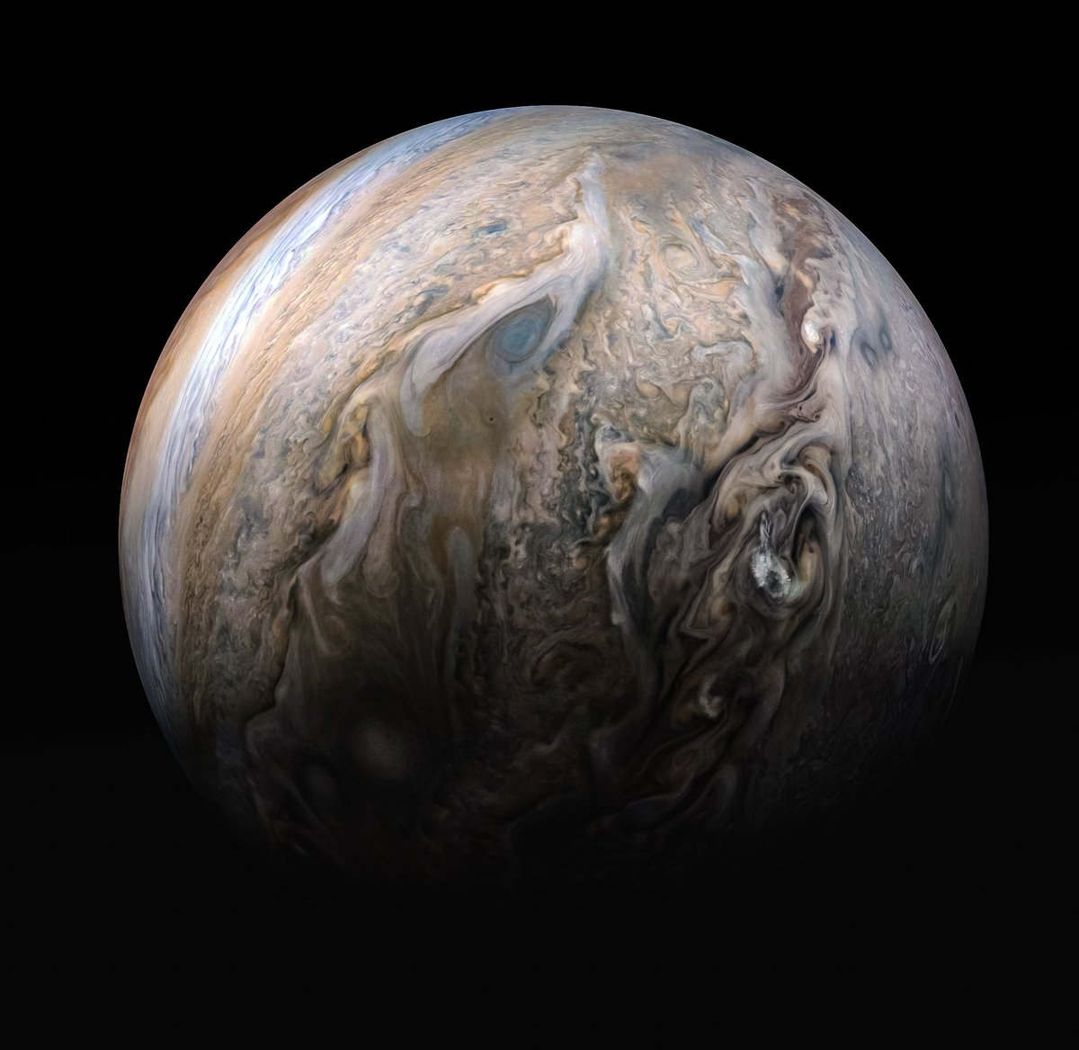 A little cloud watching is always fun. What do you see? A blue-eyed dragon? Coffee creamer? One thing's for sure: my team sees lots of science. I captured this stunning view of Jupiter's stormy northern hemisphere last month. Details: https://www.missionjuno.swri.edu/news/tumultuous_clouds_of_jupiter…