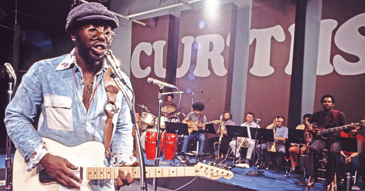 Tonight at 8 @Vocalo 91.1fm, w/rebroadcast Sunday at 8am: #CurtisMayfield in his own words, and a deep dive into Mayfield's #Curtom label. (Plus, I'll be talking all things Mayfield on Saturday afternoon at Navy Pier Chi-Soul Fest  https:// preview.tinyurl.com/y93qh6uo    )   http:// vocalo.org/player    <br>http://pic.twitter.com/gEEGUtCZvA