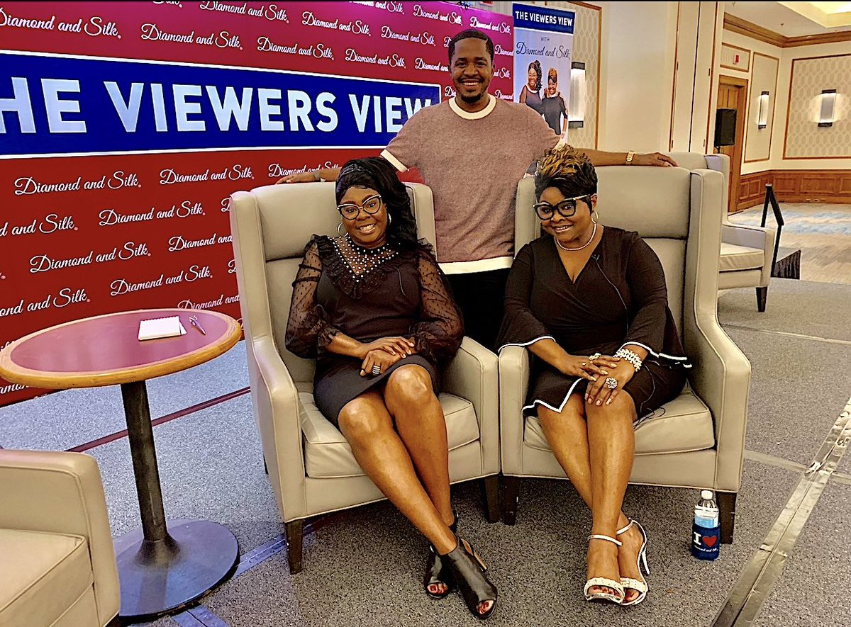 I love my sisters @DiamondandSilk ! We had a great interview and I enjoyed their sold out show in Houston Texas!