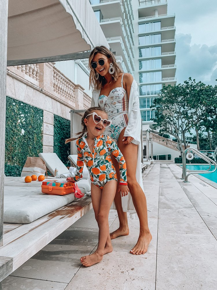 Family swim favorites and SPF picks on the blog with @Nordstrom // https://t.co/WBBI5ujgtj  shop my suit here: https://t.co/49J6ZnMDmK #nordstrom #ad https://t.co/c3TdmsBDm1