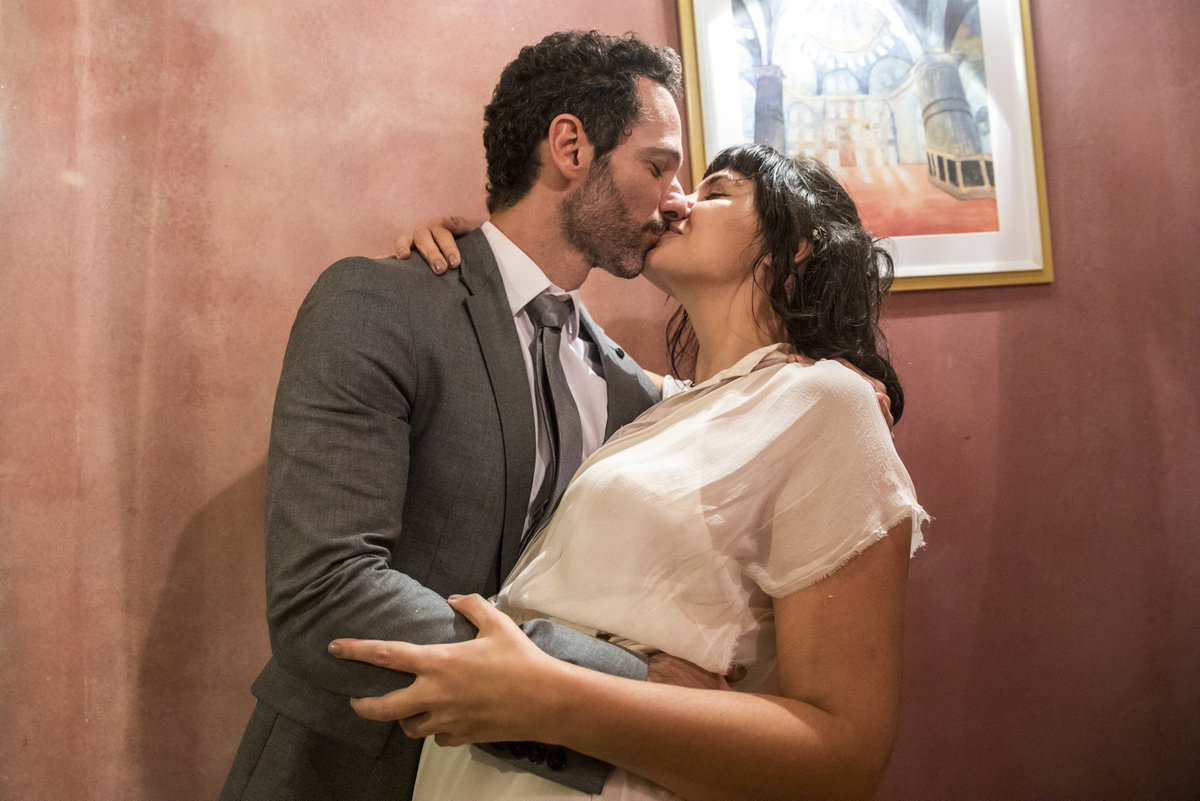 Depois de tantos obstáculos, enfim casados! ❤️#ÓrfãosDaTerra!