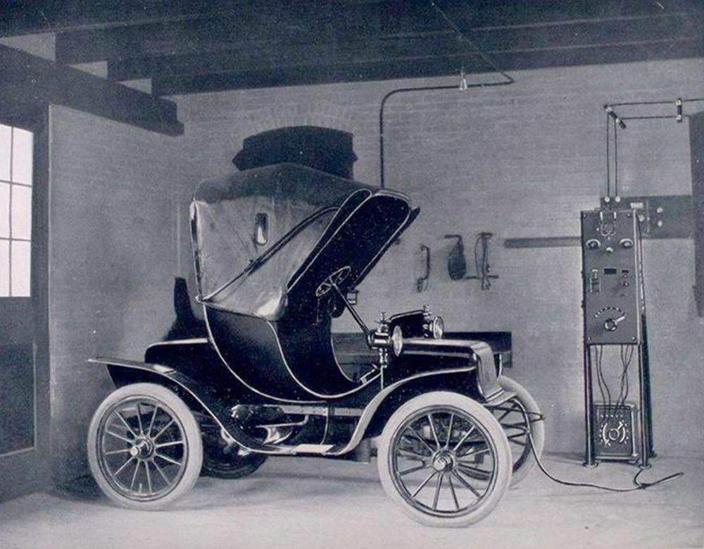 фотографировала, старинные электромобили фото сестры