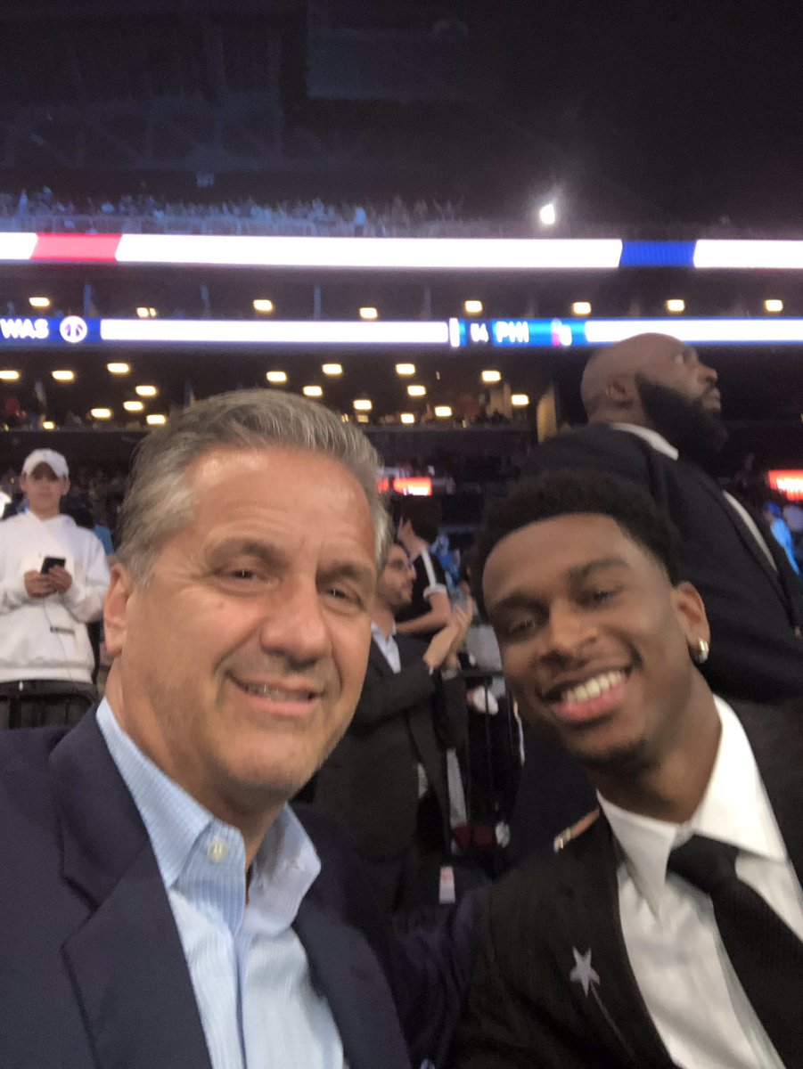 .@shaiglalex was up on that stage last year and now he's here pulling for his UK brothers and watching his cousin get drafted!!!