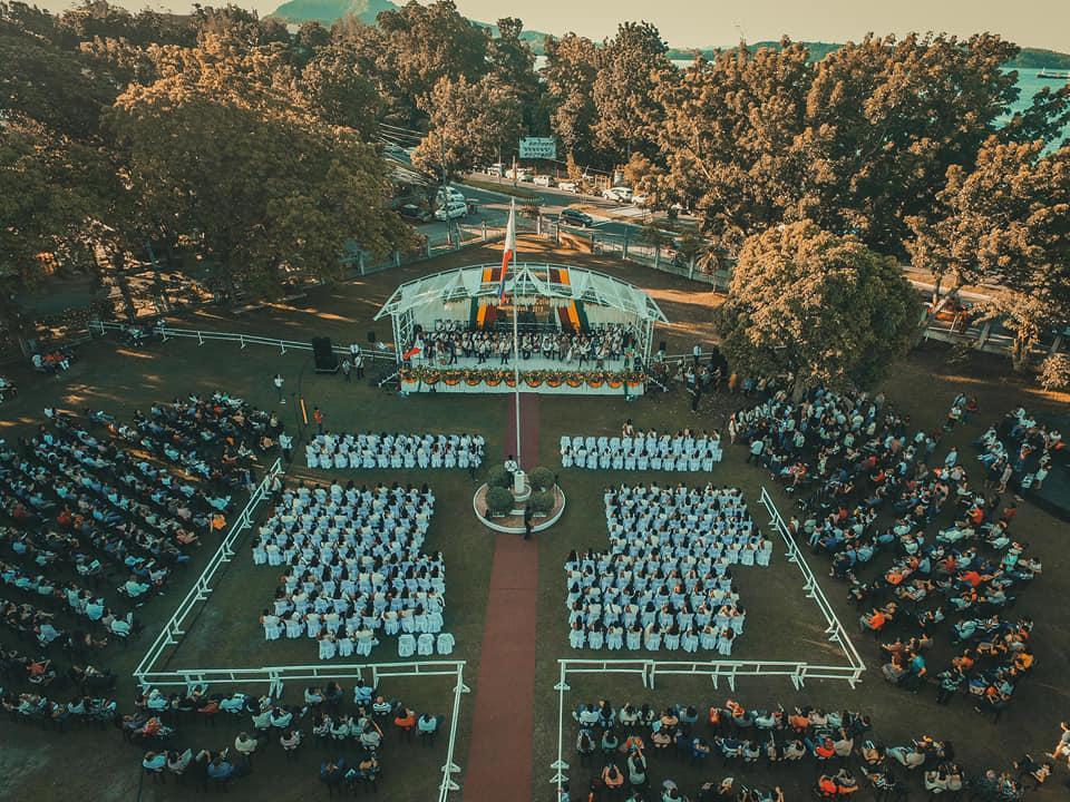 LOOK: @UPVOfficial Tacloban College 43rd Commencement Exercises 🌻  #UPSablay #DangalAtHusay