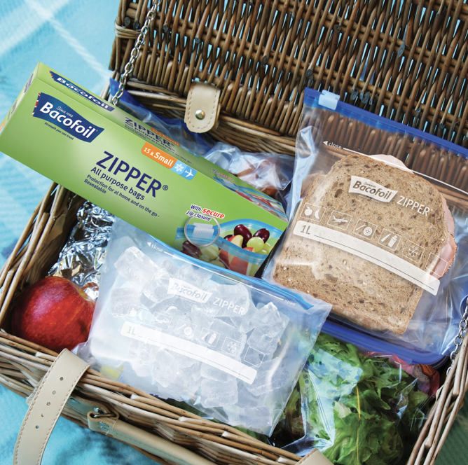 It's #FreebieFriday time and we're giving you the chance to #WIN a bundle of Bacofoil® goodies   To enter TELL US your ultimate essential for #NationalPicnicWeek    #Competition #Picnic<br>http://pic.twitter.com/UFvn2dt9zy