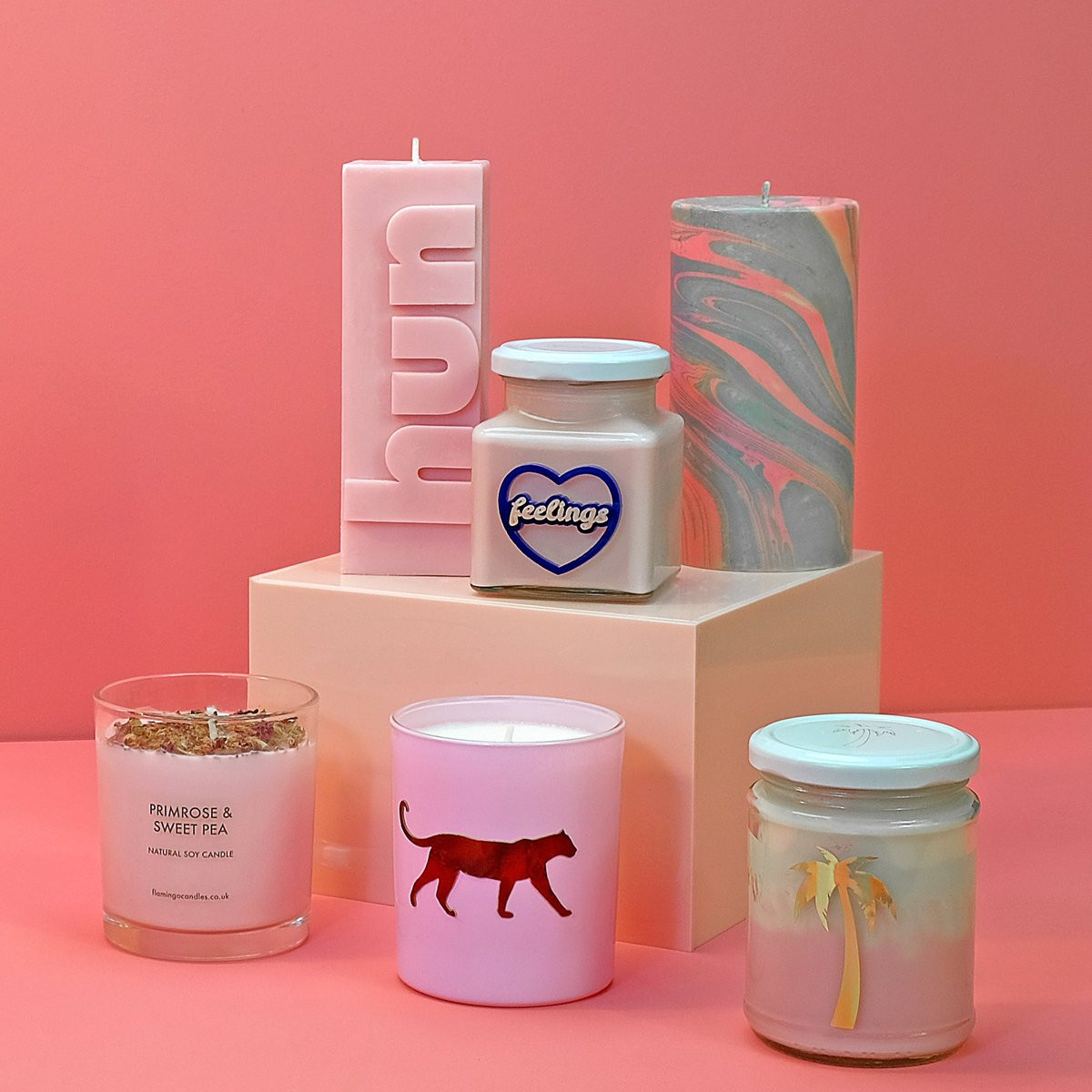 #FreebieFriday We're giving away a bundle of our Summer '19 candles For a chance to win, follow @FlamingoCandles and retweet this Closes TOMORROW #giveaway<br>http://pic.twitter.com/XndEG6iWyA