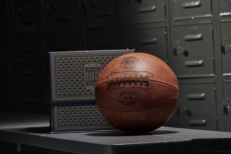 🎁プレゼント🎁 スポルディングの125周年記念ボールを抽選で1名様にプレゼント。  @bbking_jp と @spalding_japan  をフォローして、RTすれば応募完了です。 ※応募締切:2019年6月28日(金)23:59