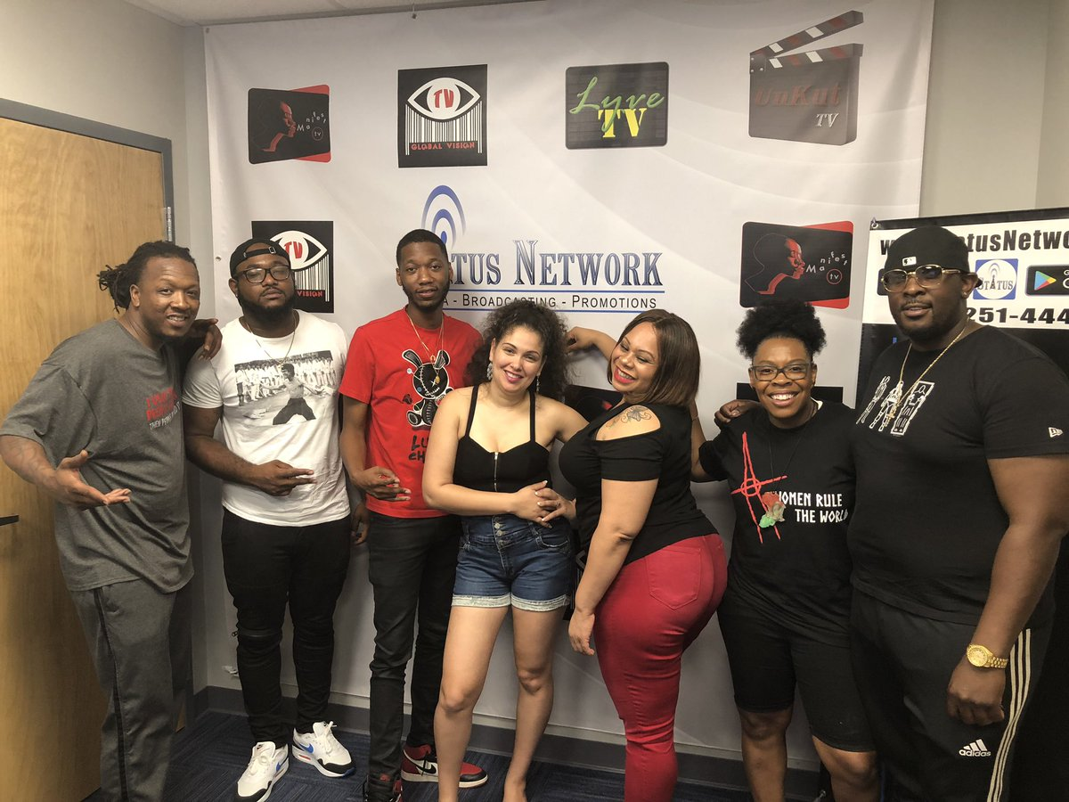 S/o the DTTO Show and Status Network for having @iMcFLI @mookmanshawty & @Only1Easton Yesterday to chop it up bout #swagsurfin , our Latest Single #stickaround , and Fall Tour 🌊🏄🏾♂️🌎 For all bookings contact @CASH_ACADEMY / email bookfly2016@gmail.com – at Status Network