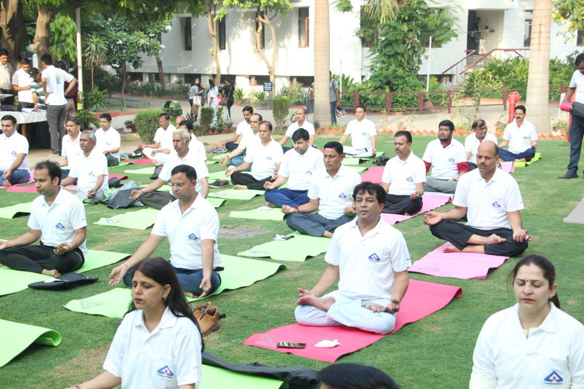 Bis On Twitter 2 2 And Engaged Themselves In Fun Filled Yoga Day Competition Such As Slogan Article Writing Competition Let S Join Hands To Make Yoga Your Everyday Habit And A Standard To