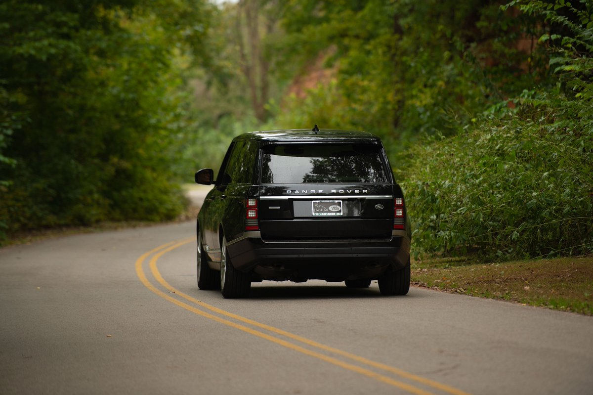 Summers are best spent chasing adventure in a #LandRover with the windows down. #FirstDayofSummer https://t.co/tPeXXfxEH3