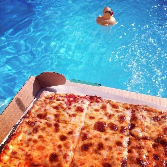 #FirstDayofSummer GIVEAWAY   WE ARE GIVING AWAY (1)  $50 #LEDOPIZZA GIFT CARD!   RETWEET AND FOLLOW TO BE ENTERED TO WIN!  (One winner picked randomly at 10pm on 6/21/19) #FridayFeeling <br>http://pic.twitter.com/5W9rM86Xzw