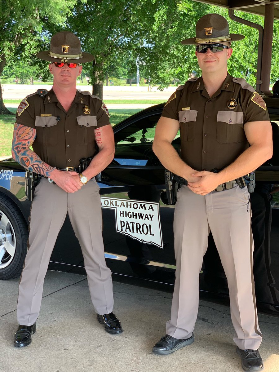 We're ready to ride in Tulsa tonight! @OfficialLivePD fans - you're with Trooper Russell Callicoat and Trooper Jeff Laue. See you soon! #LivePD #LivePDNation <br>http://pic.twitter.com/5dPwWQJwhg