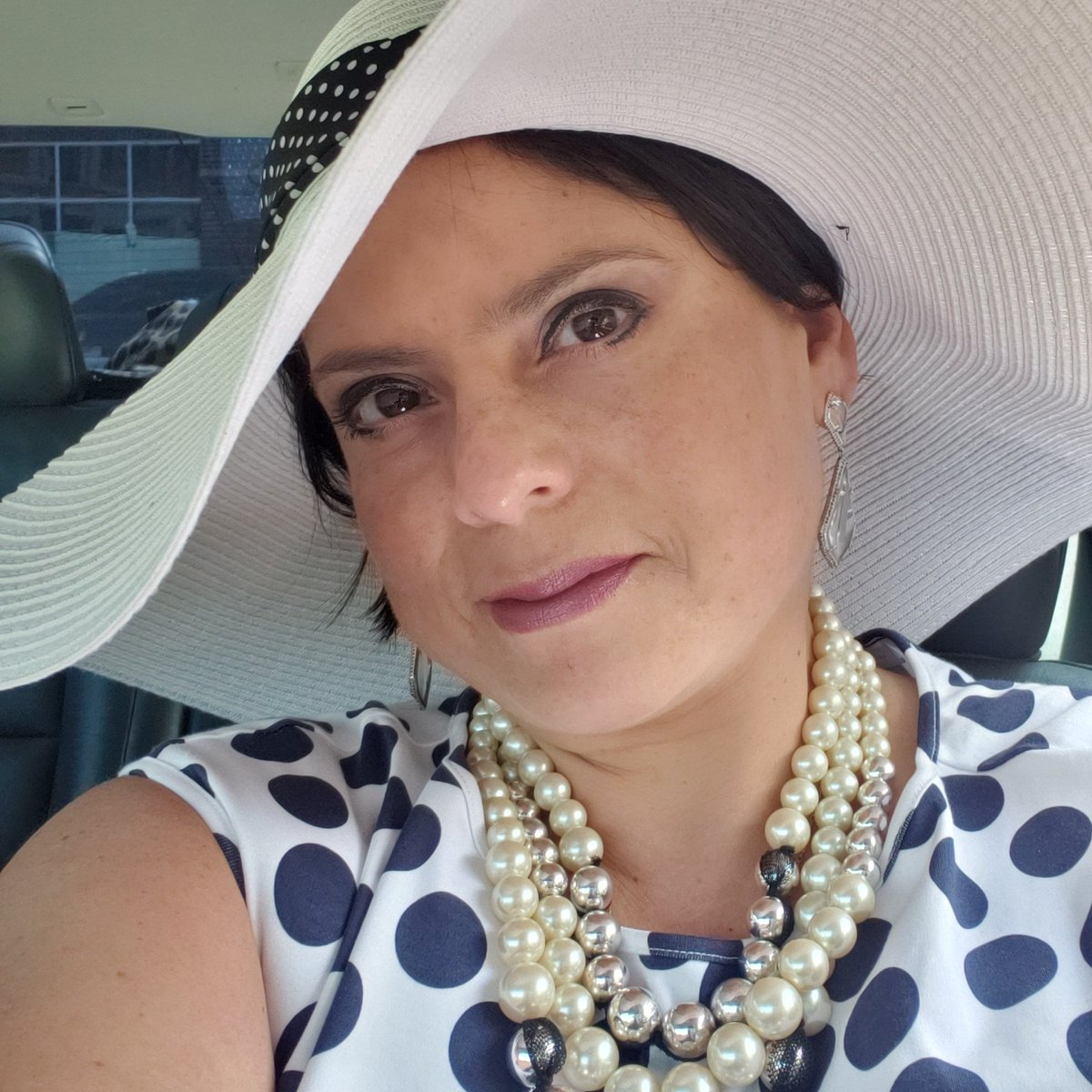 It's #nationalselfieday 🤳  so I decide to hop on the #bandwagon and #post this #picture from when I attended a #kentuckyderby party with my #mckinneywomenentrepreneurs girlfriends back in #may 🐎👭🐴 👒Can you tell by the hat??? 🤣 #me #SelfieDay #selfie #FridayFeeling #friday