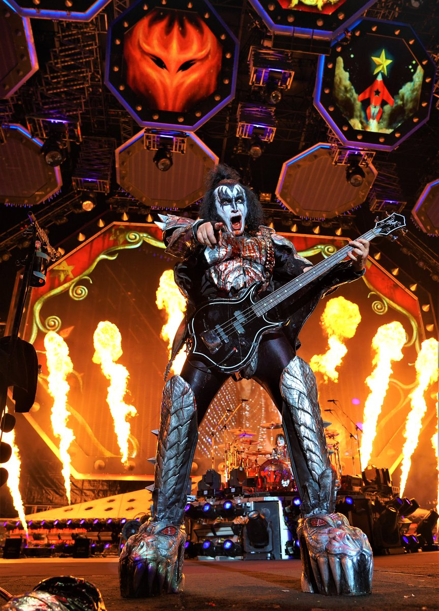 The Demon @genesimmons #EndOfTheRoad Europe. <br>http://pic.twitter.com/e75ucSChCi