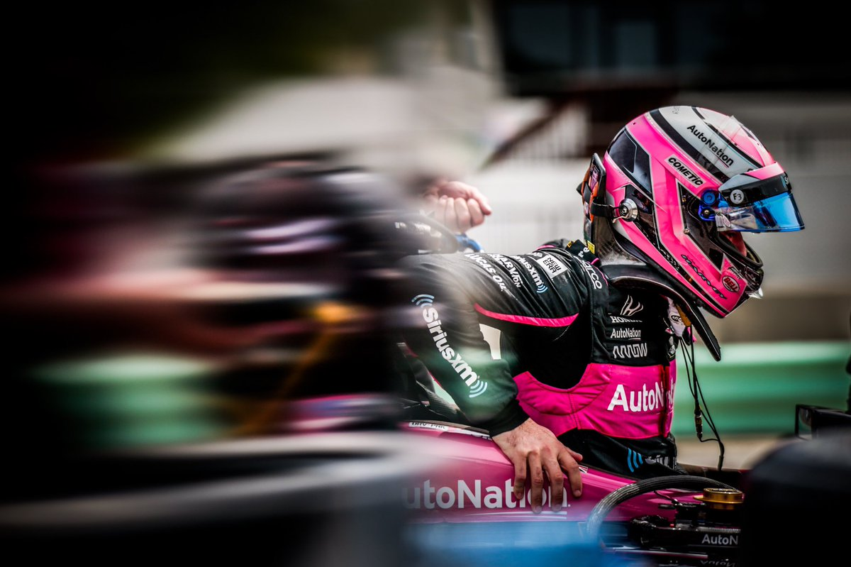 Rough day but we'll keep pushing forward.  This @MeyerShankRac team is awesome and we'll be ready to go tomorrow.  @autonation // @siriusxm // @spmindycar // @hondaracing_hpd <br>http://pic.twitter.com/B6do9bXrJe