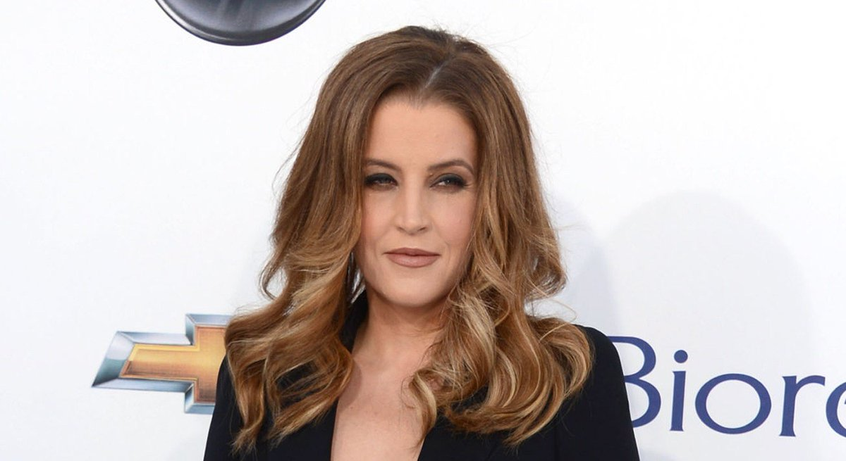 Lisa Marie Presley Shares Sweet Family Photo with All Four Kids! https://t.co/dxPpYzCZkg #Celebs #BenjaminKeough https://t.co/no1NK6FaBx