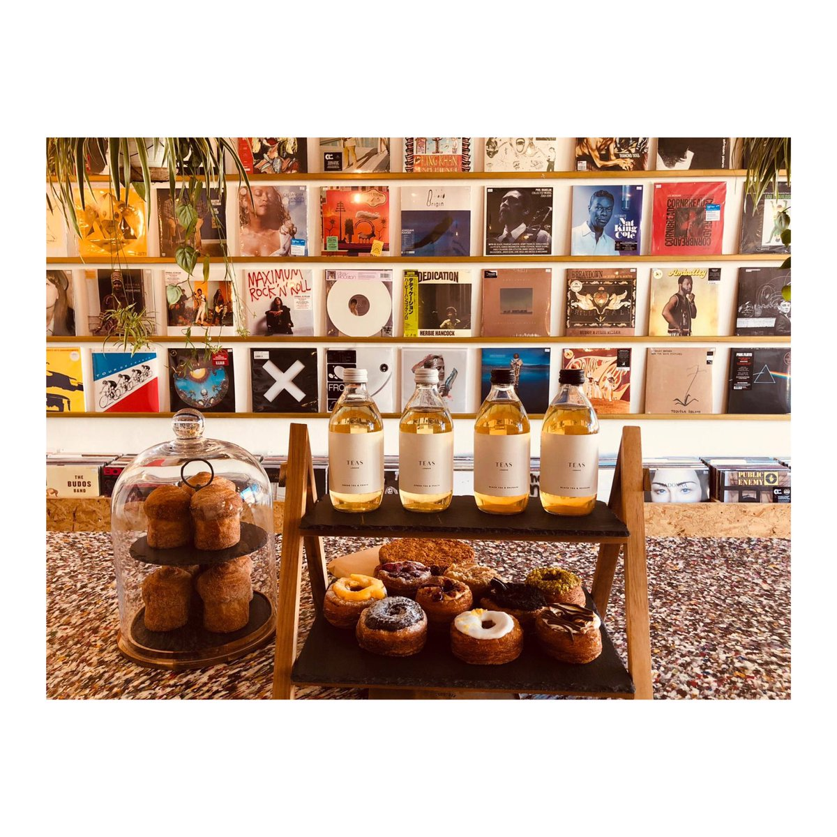 Summer in the City ☀️  Open today and tomorrow then closed for a week 🇮🇹  #summerinthecity #coffeeshop #caffeine #specialtycoffee #summer #london #timeoutlondon #hot #cruffin #cronut #crodough #tea #icedtea #vinyl #vinylwall #colourful #eastsheen #mortlake #southwestlondon