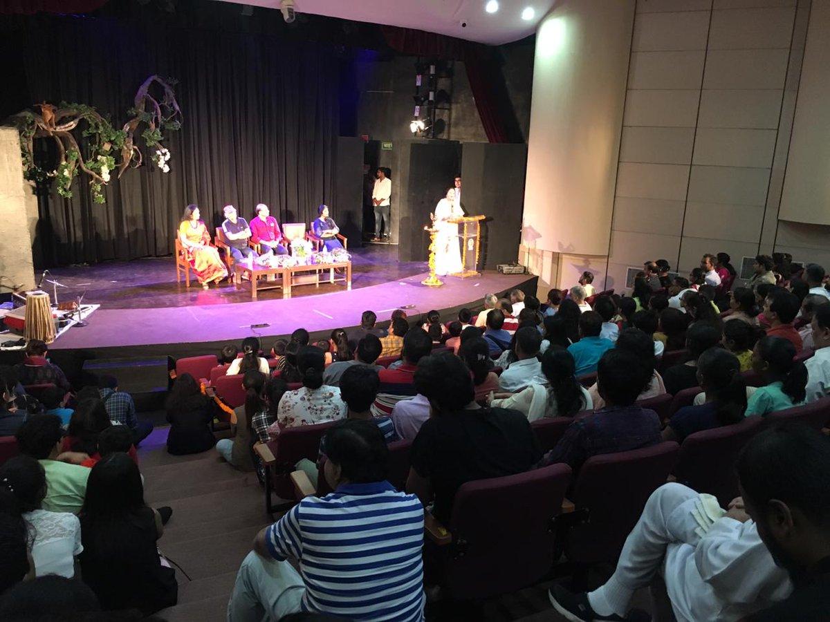 Childrens Theatre Festival | A Tribute to Gurudev Rabindranath Tagore on his 158th Birth Anniversary Director, NGMA Smt. Ritu Sharma along with Smt. Mahu Pant, Shri Gulshan Walia ,Shri Akhilesh Khanna, Ms. Nisha Trivedi on stage are inaugurating the three days theatre festival