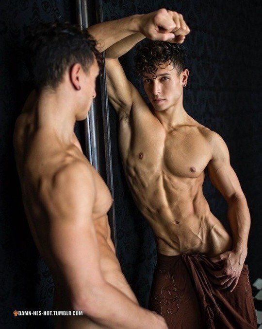 Men with abs and are nude — photo 5