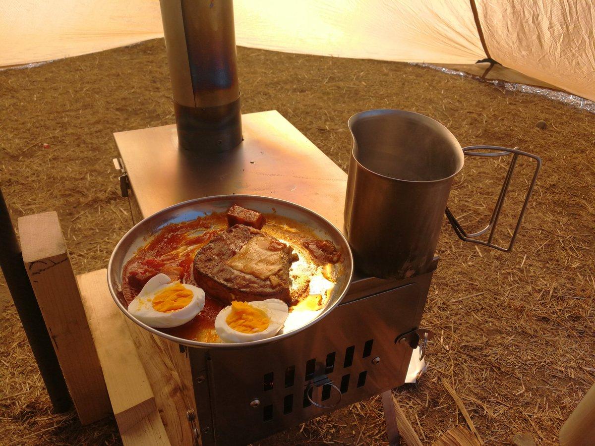 test ツイッターメディア - セリアのステンレス皿。 安いしそのまま温め直せるので凄く便利。 #セリア https://t.co/kgguco7B4I