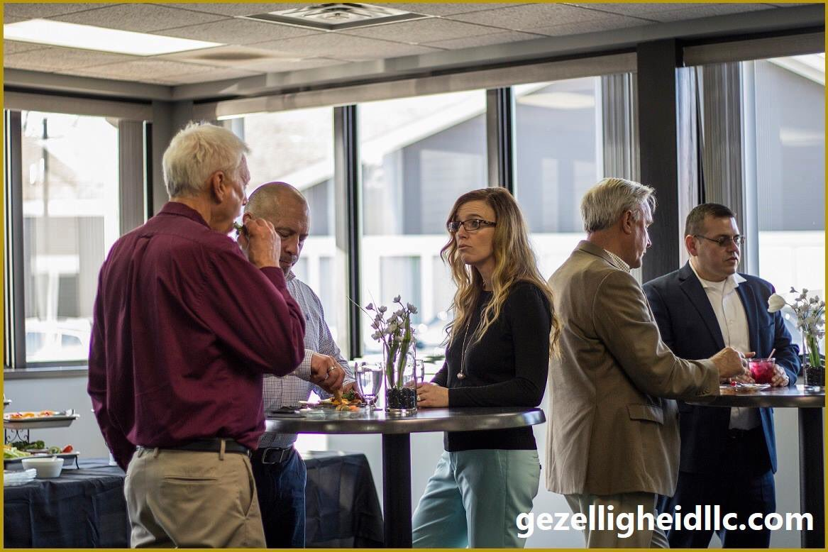 Gezelligheid is a COZY space for social outings!  Team building, customer appreciation, staff appreciation, happy hour.  #gezelligheid #venue #eventvenue #eventspace #teambuilding #customerappreciation #staffappreciation #happyhour #socialhour #hollandmi #hollandmichigan #cozy