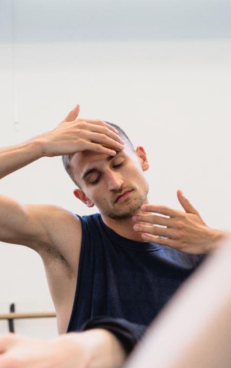 toitoitweet > dansers en choreografen De Ontmoeting NEXT: Performing on demand > geniet vanavond in Theater aan de Rijn > introdans.nl/ontmoeting