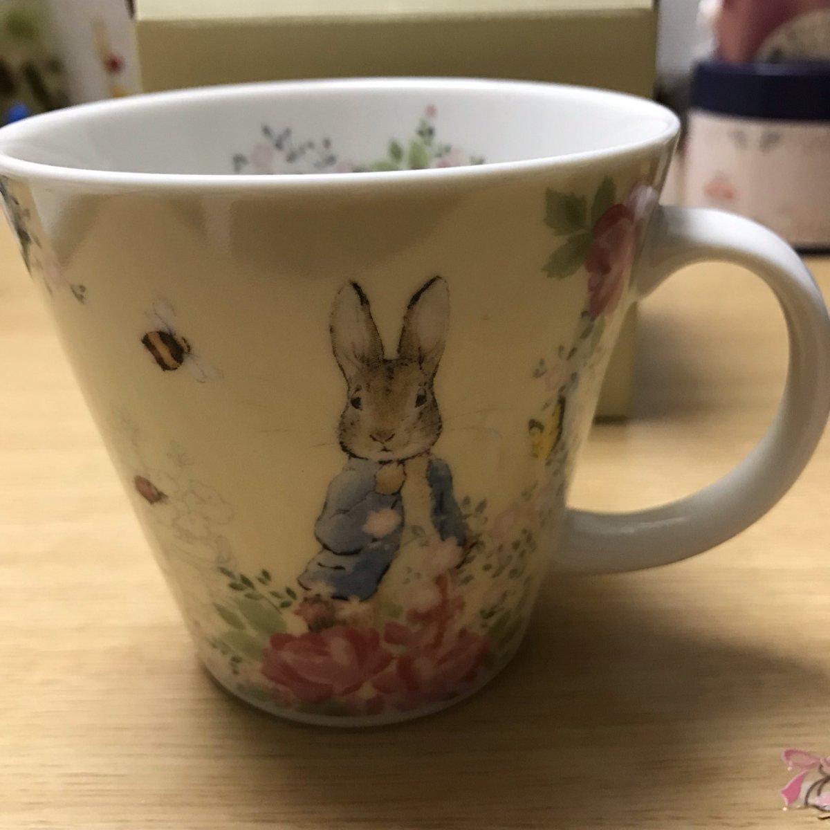 test ツイッターメディア - I got this cup at DAISO. シール集めて324円でついにゲット! #ダイソー #ピーターラビット https://t.co/p31XkLKnGd