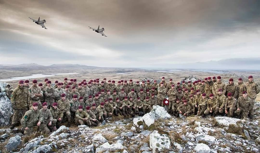 Sgt Oldfield, @RoyalAirForce photog out of @RAF_Cosford, Is currently in the @FalklandsGov for 4 months and recently captured 2 @BAESystemsAir Typhoons of 1435 Flt flying over the @BritishArmy @TheParachuteReg completing 'The Tab' atop Mount Longdon
