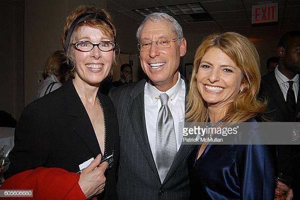 Well looky here ... Trump's latest fake accuser E. Jean Carroll in 2006 with Lisa Bloom who was caught in 2016 paying off several Trump accusers.🤔