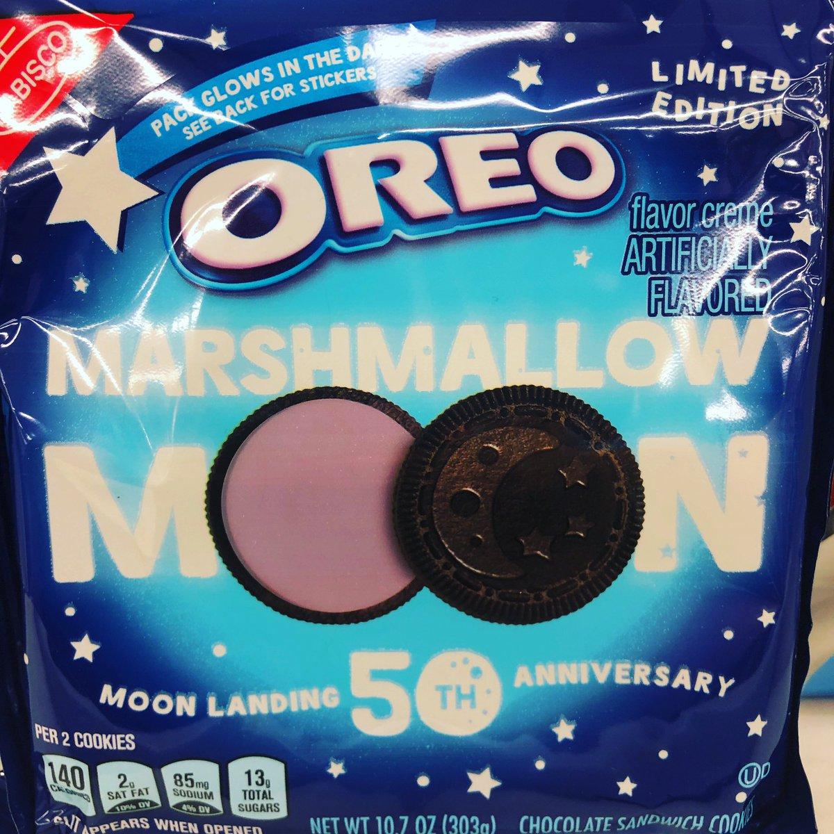 #theconsumer #oreos 50th Anniversary Moon Landing edition. Review: https://www.instagram.com/p/BzB_vJ6Aba0/?igshid=1vz2omisidru8…