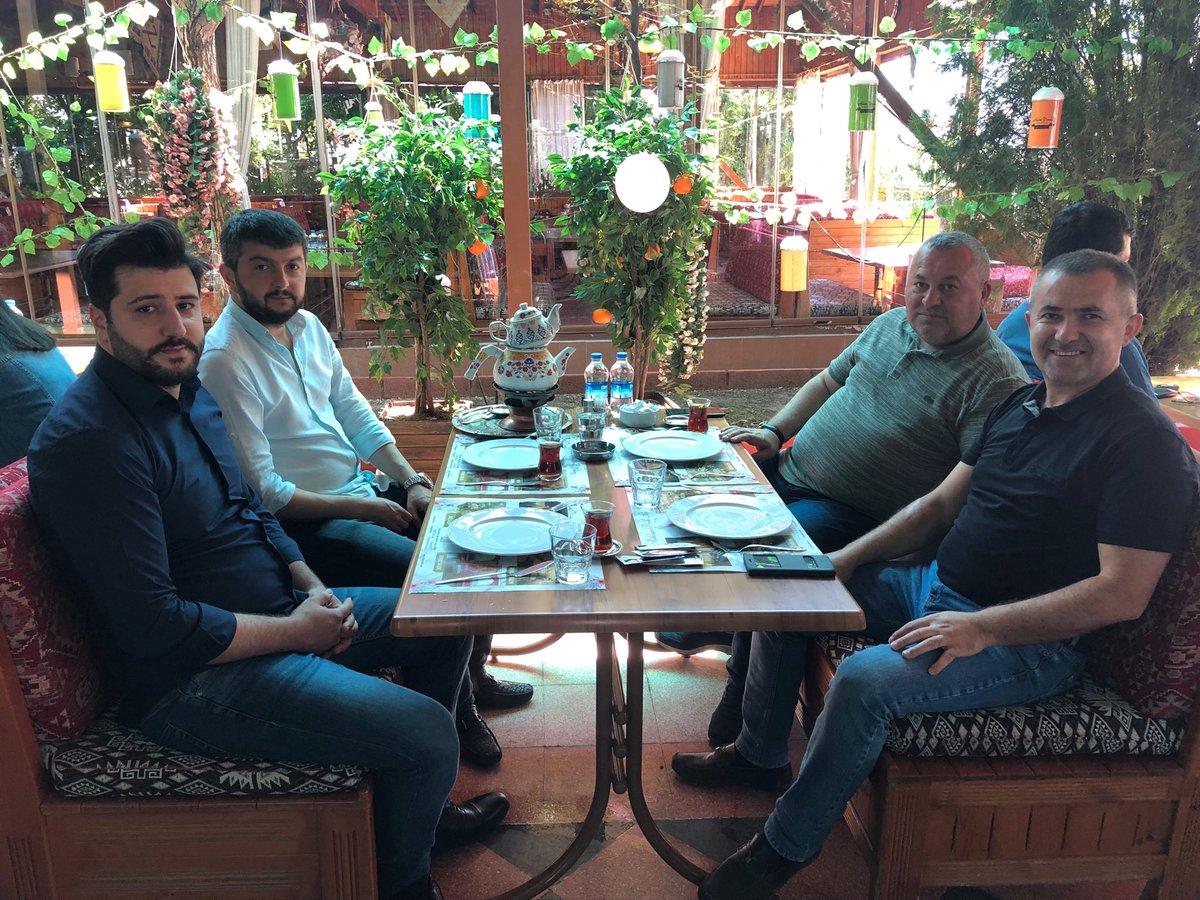 Güzel bir ANKARA Sabahından bütün dostlara selam olsun.  Adem Doruk restaurantta Yalçın DORUK kardeşimin misafiriyiz.