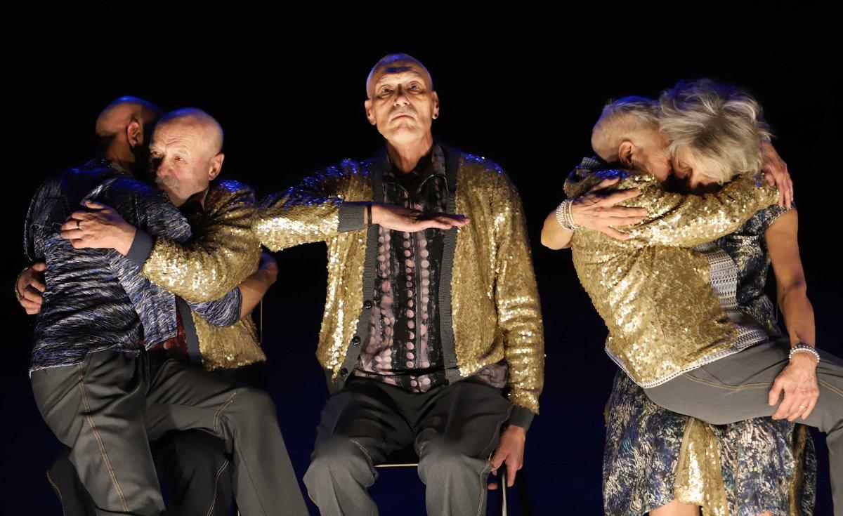 toitoitweet > dansers Roze Cast > veel plezier in @DeVasim2 > introdans.nl/rozecast
