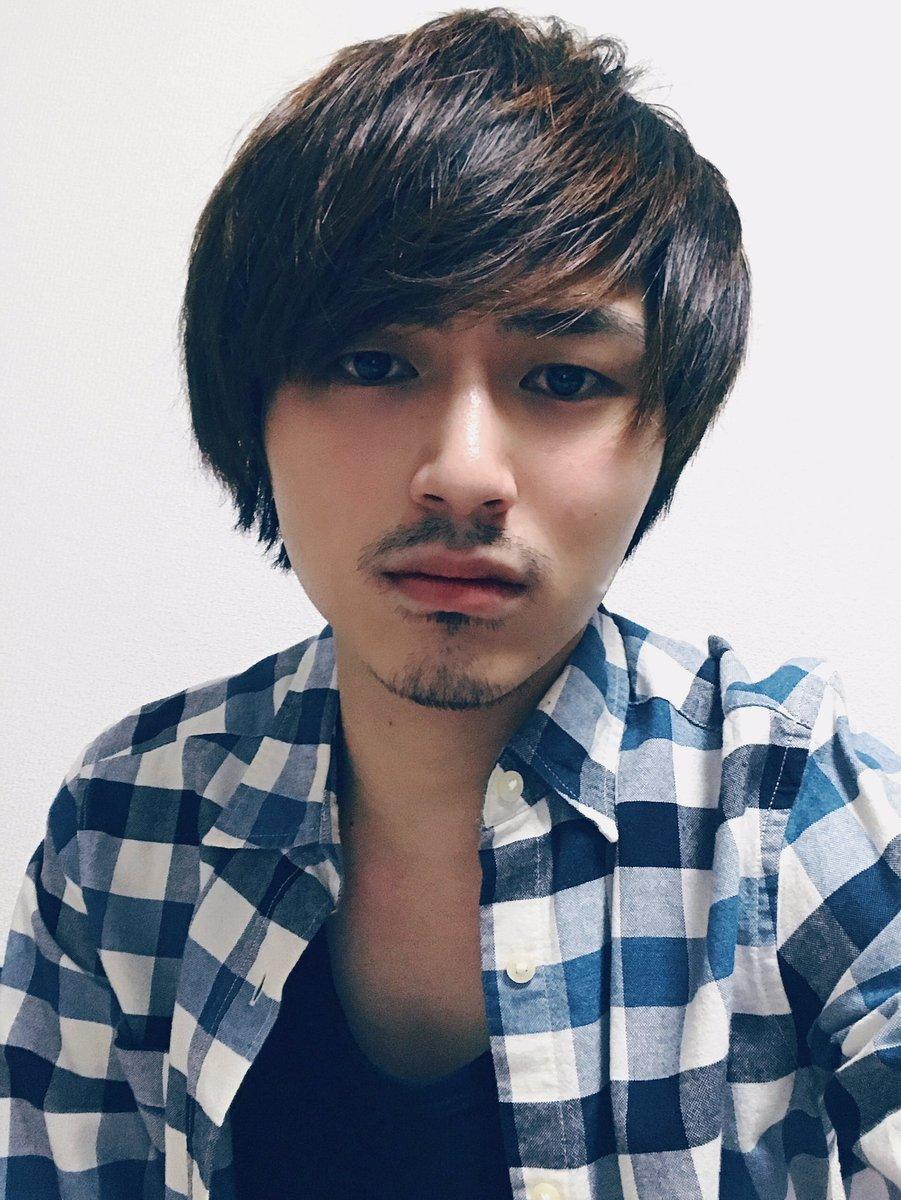 """竹中雄大 Novelbright ar Twitter: """"久々に髭を生やしてみたのだがこのまま生やしていくか剃るか迷ってる。… """""""