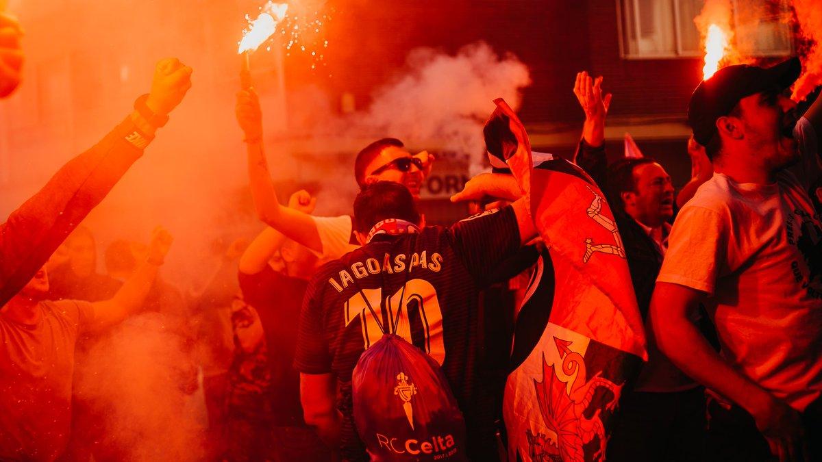 Aficionados del Celta, en un recibimiento al equipo (Foto: RCCV).