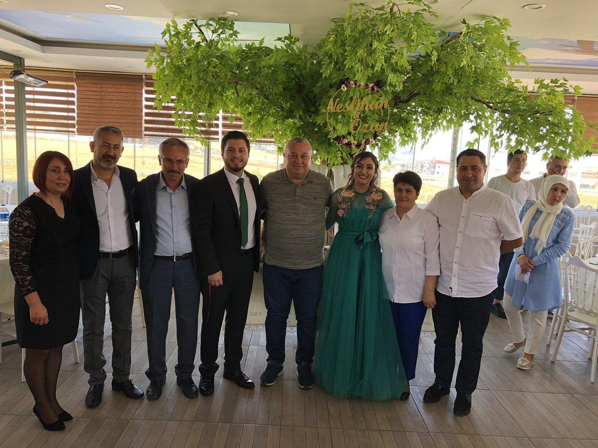 Ankara'da Vatan ÇAKMAK kardeşimin oğlu Ozan ile Neslihan BAYAZİT kızımızın nişan yüzüklerini taktık. Rabbim tamamına erdirsin. Ömür boyu mutluluklar dilerim.