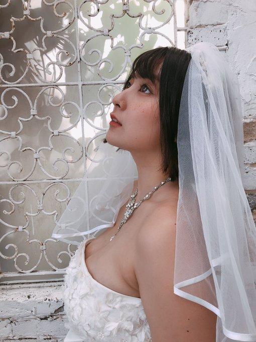 グラビアアイドル紺野栞のTwitter自撮りエロ画像12