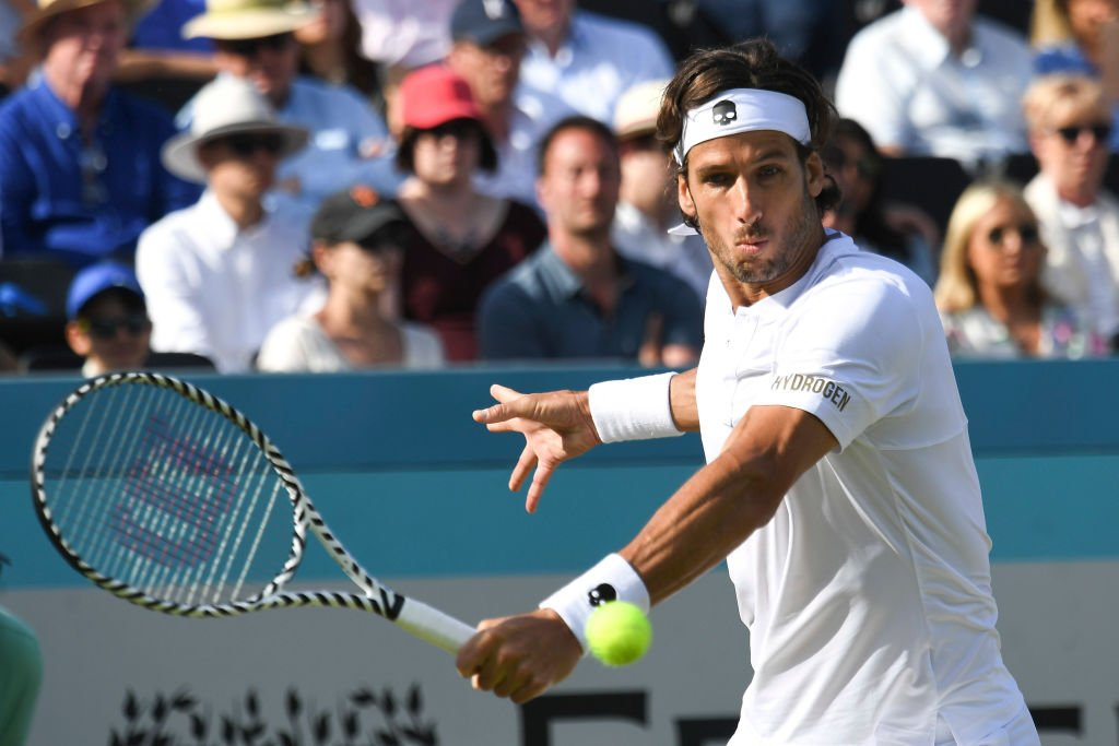 Here we go!  Switch over to @BBCOne for the final of this year's Queen's as Feliciano Lopez takes on Gilles Simon.  You can also watch online here:  https:// bbc.in/2Rnojs0      #FeverTreeChampionships <br>http://pic.twitter.com/iuTIc6Y5zV