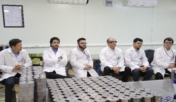 Afghanistan 's highly officials visited @Parsisotope' s manufacturing sections- radiopharmaceuticals and cold kits_ aiming at enhancing bilateral ties. http://www.parsisotope.com
