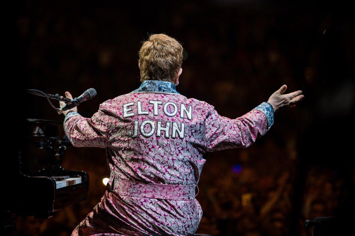 Another fantastic night of the #EltonFarewellTour in France. Thank you, @ArkeaArena! 🇫🇷 📷: Ben Gibson