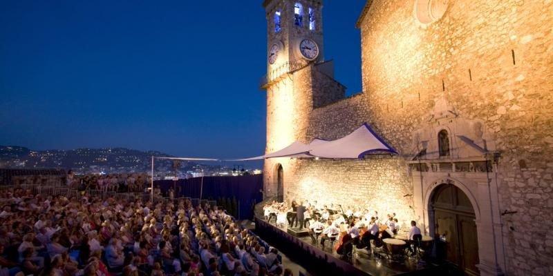 🎶 Les Nuits Musicales du Suquet, à #Cannes, c'est 4 soirées d'exception sous les étoiles et aux pieds de l'église Notre-Dame d'Espérance à #Cannes ! Découvrez la programmation via  @Nice_Matin  👉http://bit.ly/31PVHwu 📅  18, 19, 22 et 23 juillet 2019 #CotedAzurFrance