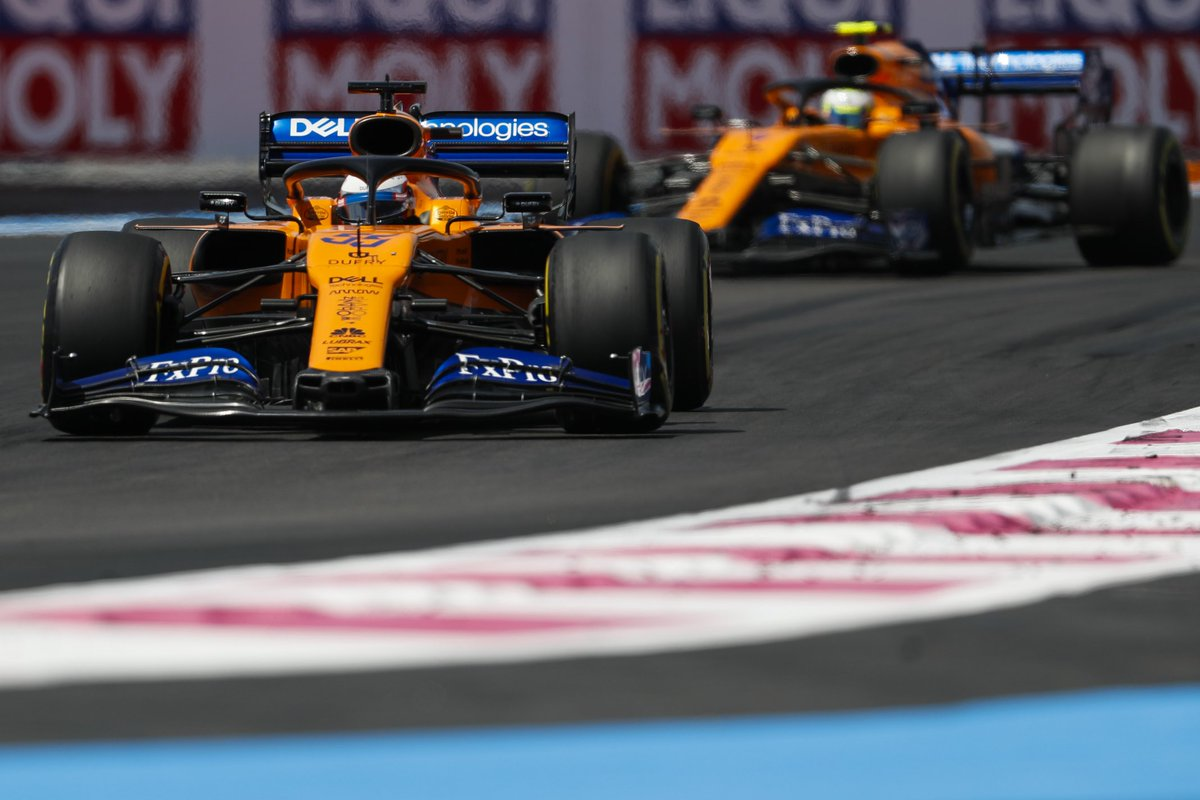 Carlos P6, great drive. 💪 Lando P10 #F1DriverOfDay. 👏 Round of applause for our boys for a mega effort this weekend. #FrenchGP 🇫🇷