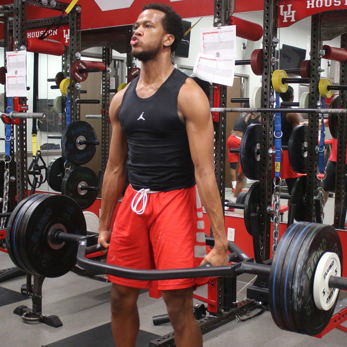 91e86b4e5ea Strength is never a weaknesspic.twitter.com/Uuz9vWyEZK · Houston Men's Hoops  ...