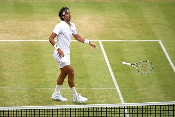 Feliciano Lopez beats Gilles Simon 6-2 6-7 7-6 in the final of the fever tree championships #lopez #final #victory #fevertreechampionships #queensclub ( Getty ) <br>http://pic.twitter.com/aq4SJgqqKT