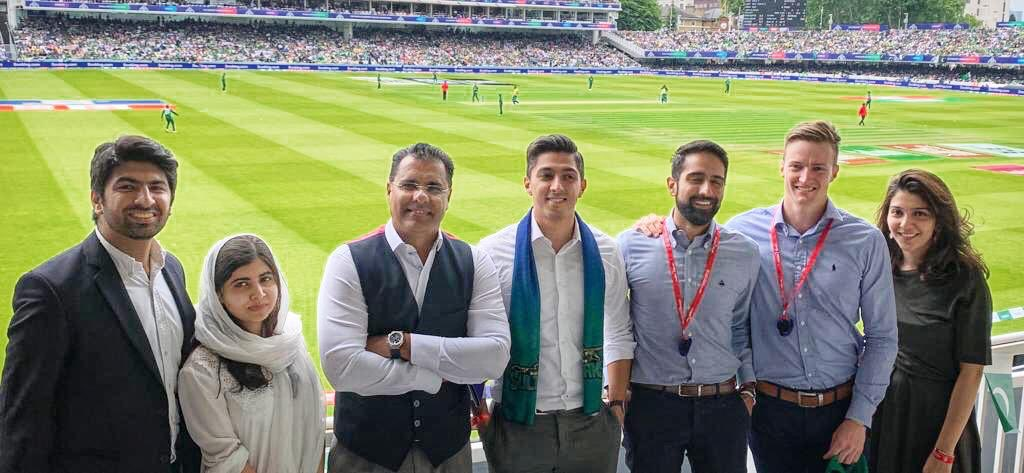 Very patriotic bunch @aliktareen Always there when their team needs them and @Malala feel free to ask any question on cricket 🏏 happy to answer #PAKvsSA @HomeOfCricket