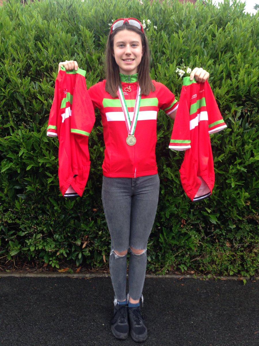@OffRoadWales @WelshCycling   #cyclocross #criterium #mtbxc #Champion 🚴♀️🏅🏅🏅 https://t.co/jBbYjZ8za4