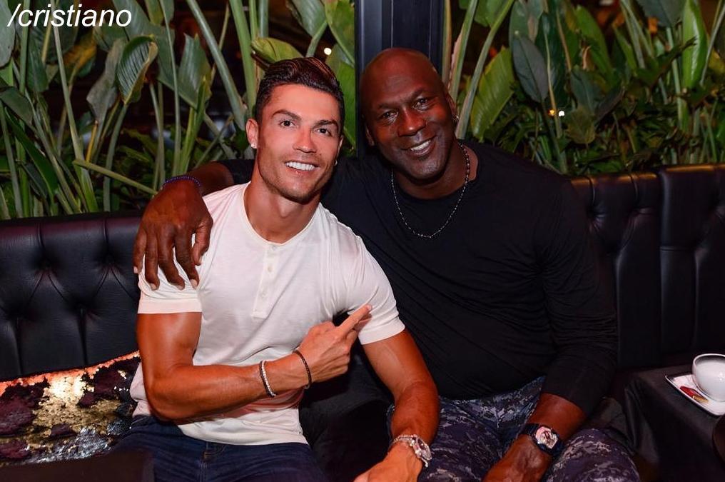 ¿La foto del año? ¡Cristiano Ronaldo y Michael Jordan, juntos! 🐐 https://t.co/DZpYvl6YS1