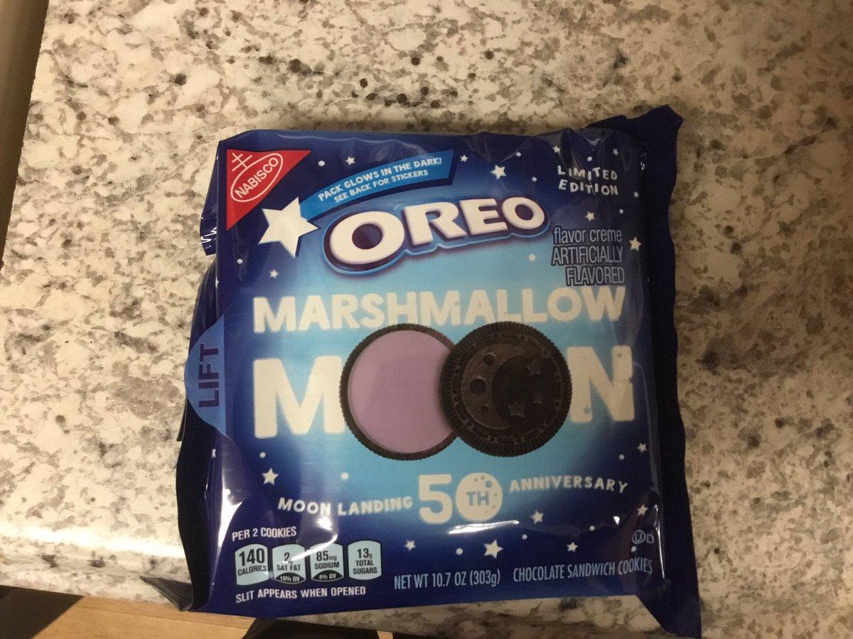 I'm love limited edition #oreos #marshmellomoon
