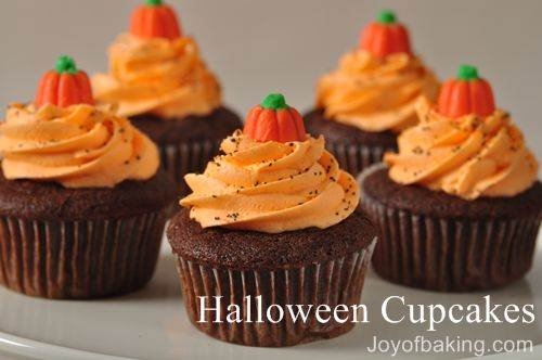 HALLOWEEN PUMPKIN PATCH Cupcakes via Joy Of Baking #GhastlyGastronomy <br>http://pic.twitter.com/iwjjXYlxbp
